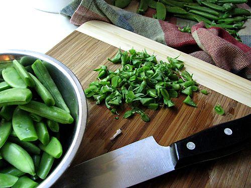 Snap peas cut