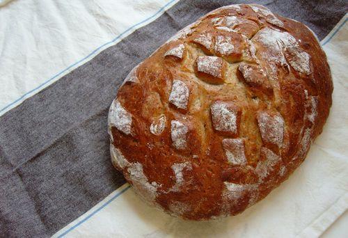 Golden flaxseed bread