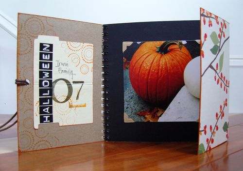 Halloween :: mini folio -- open